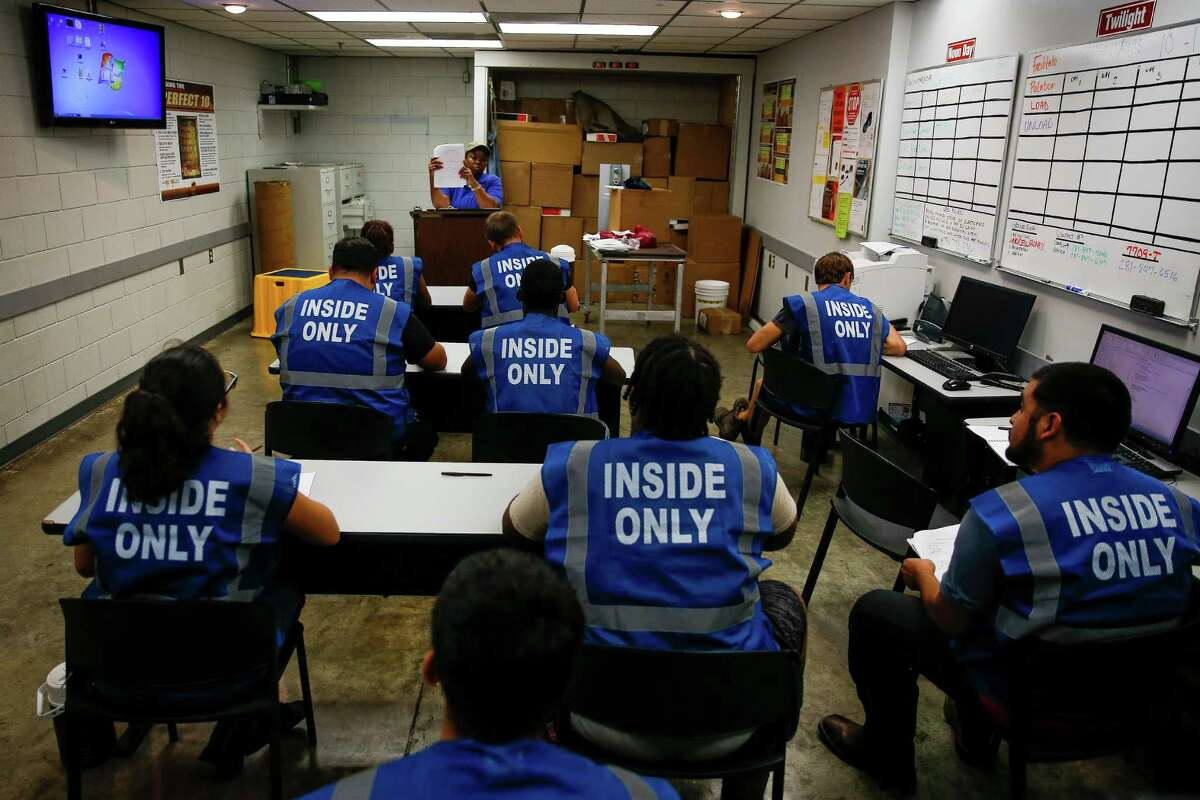 New seasonal UPS workers go through training at the UPS Sweetwater hub Wednesday, Oct. 12, 2016 in Houston. ( Michael Ciaglo / Houston Chronicle )