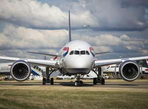 LONDON, ENGLAND - OCTOBER 11: A British Airways aircraft at Heathrow Airport on October 11, 2016 in London, England. The UK government has said it will announce a decision on airport expansion soon. Proposals include either a third runway at Heathrow, an extension of a runway at the airport or a new runway at Gatwick Airport. (Photo by Jack Taylor/Getty Images)