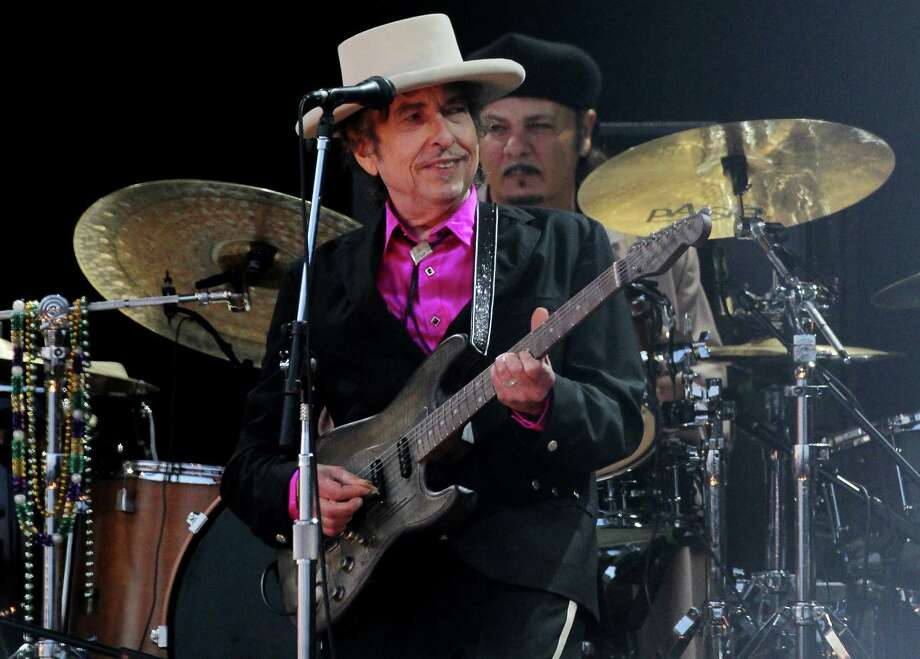 """American singer Bob Dylan, who has been hailed as """"a great poet in the English-speaking tradition"""" following his surprise win of the Nobel Prize in Literature on Oct 13, 2016. Dylan is the first songwriter to win the prestigious award. Photo: Gareth Fuller /PA Wire / TNS / Zuma Press"""