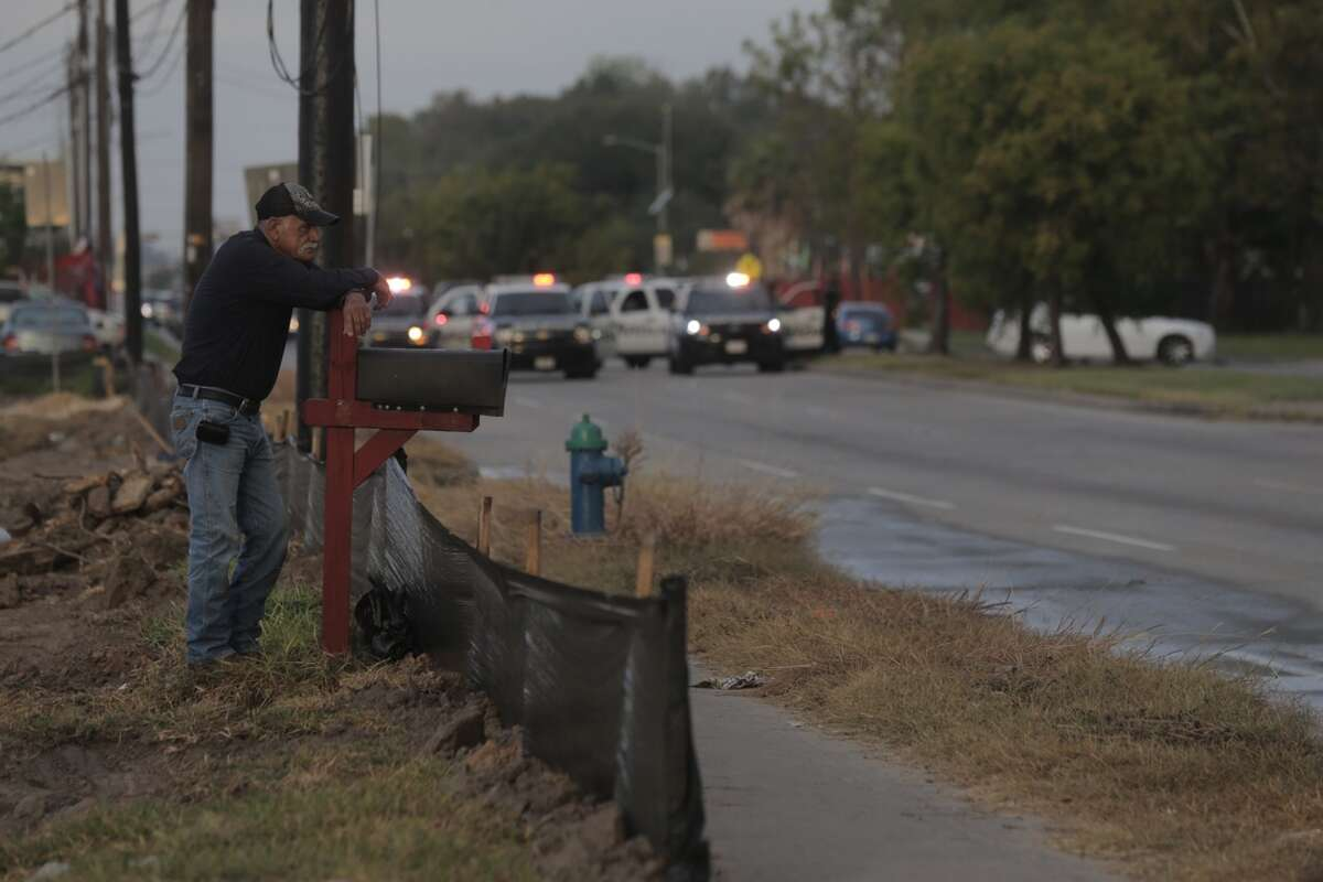 A man died in a traffic crash when he rear ended a tanker truck about 6:40 a.m. Friday, Oct. 14, 2016, on Airline near Little York in north Houston. (Elizabeth Conley/Houston Chronicle)