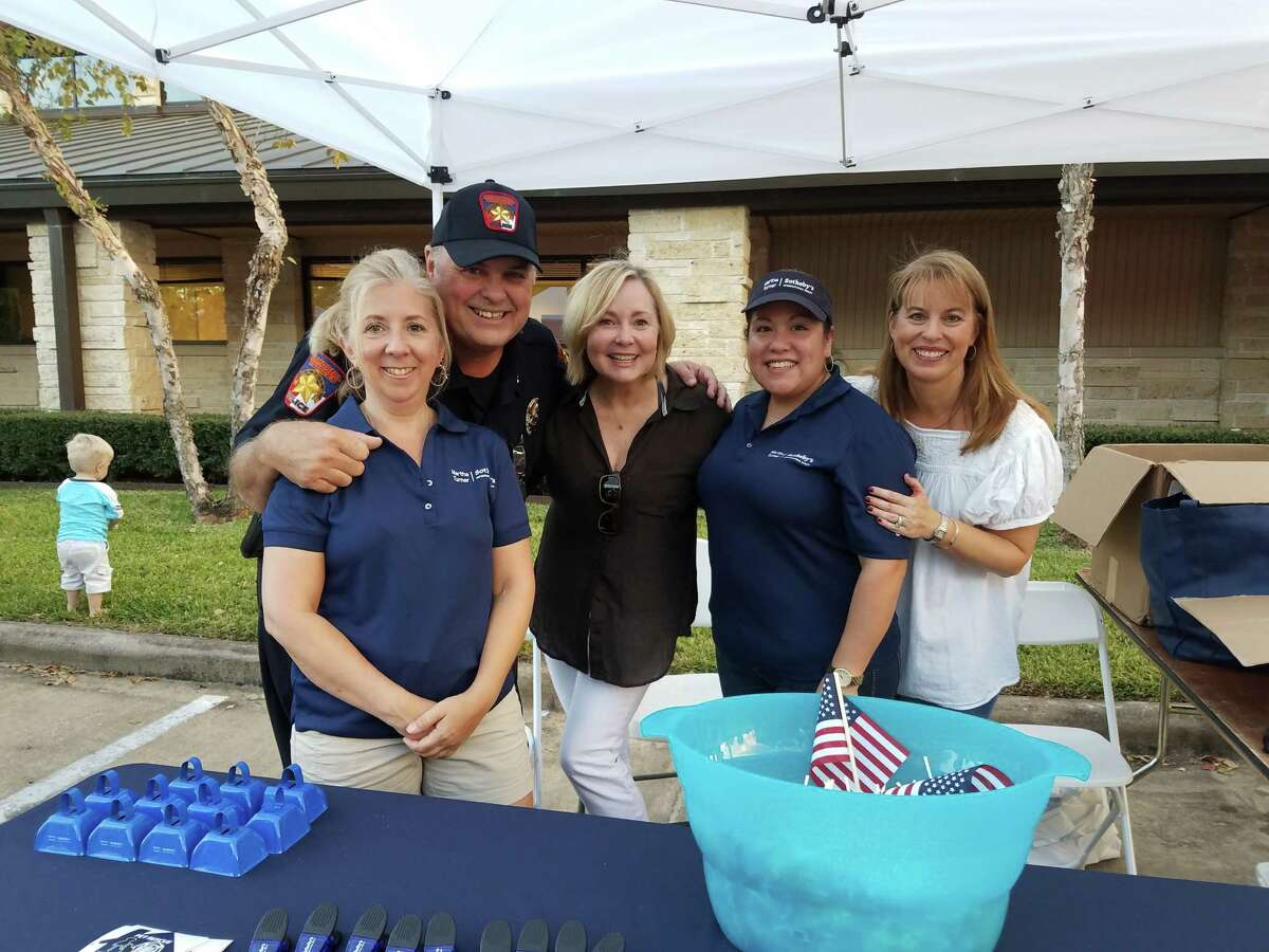 Terri Lemons, chief J.D. Sanders, agent Carmon White, Sabrina Gudino and agent Robin Tucker joined forces to celebrate National Night Out. The event promotes police-community partnership and neighborhood camaraderie.
