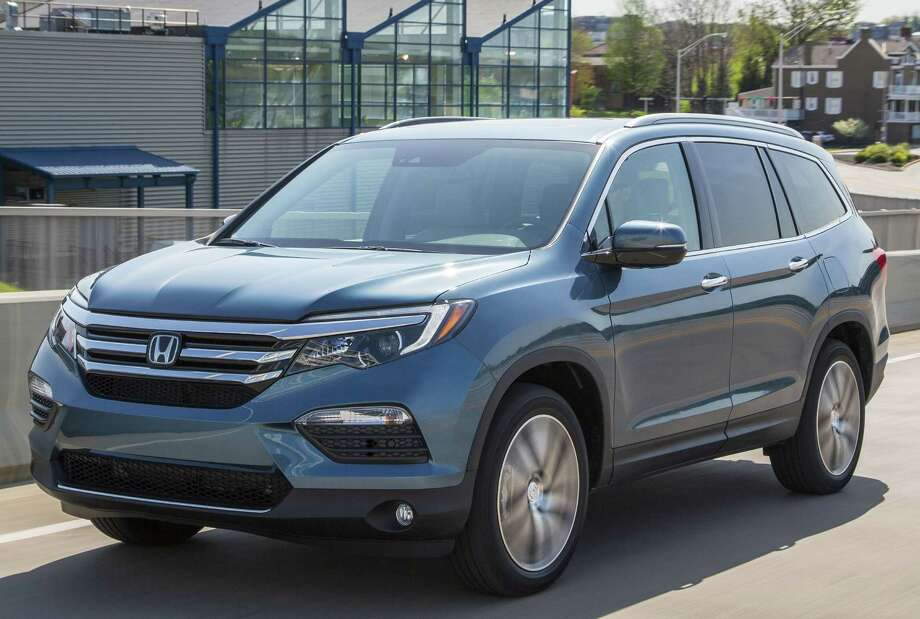 Honda Pilot:Award: Best three-row SUVMSRP: From $30,900 Photo: American Honda Motor Co. / © 2015 American Honda Motor Co., Inc.