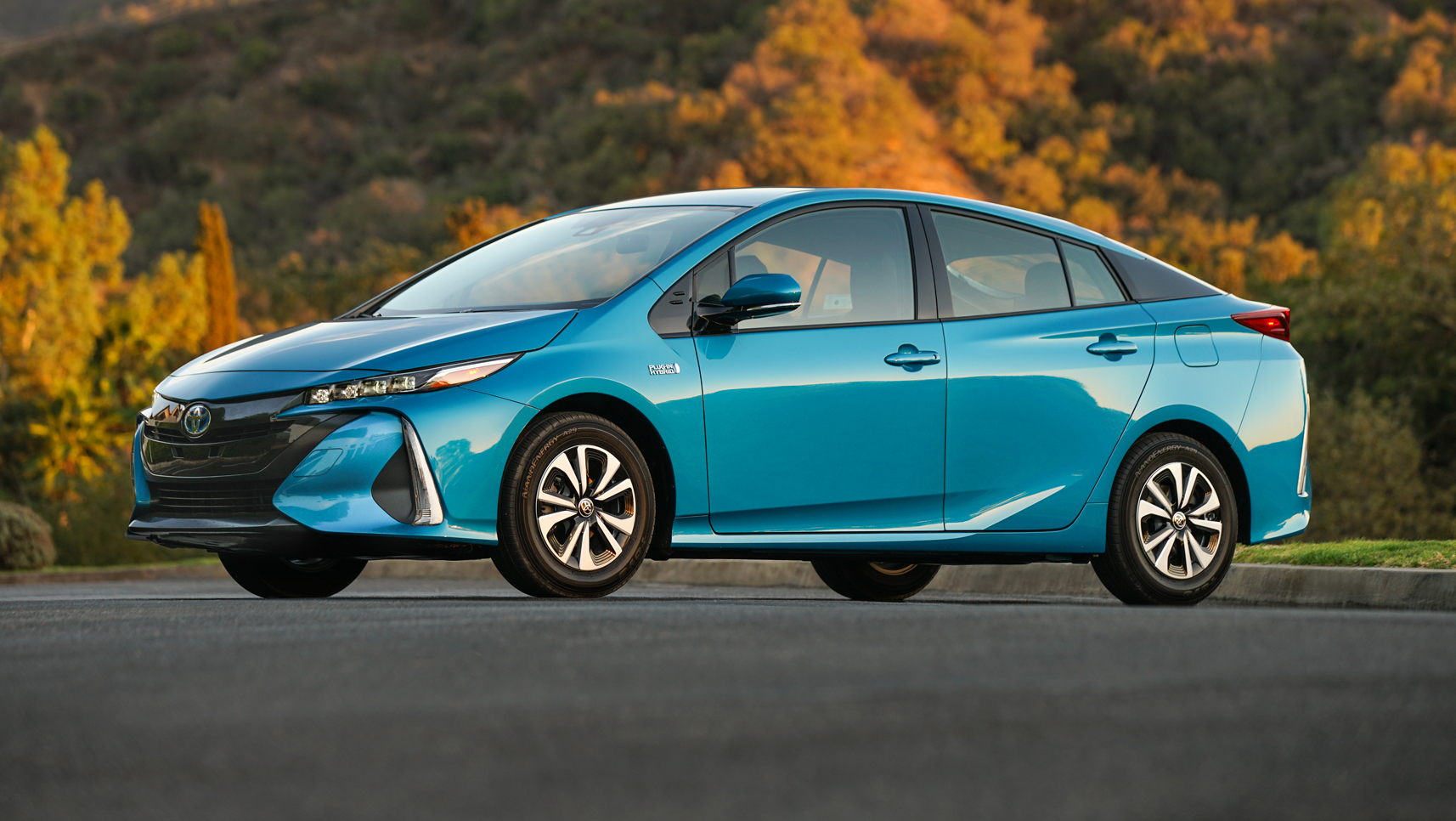 toyota breaks new ground with 2017 prius prime hybrid plug in houston chronicle. Black Bedroom Furniture Sets. Home Design Ideas