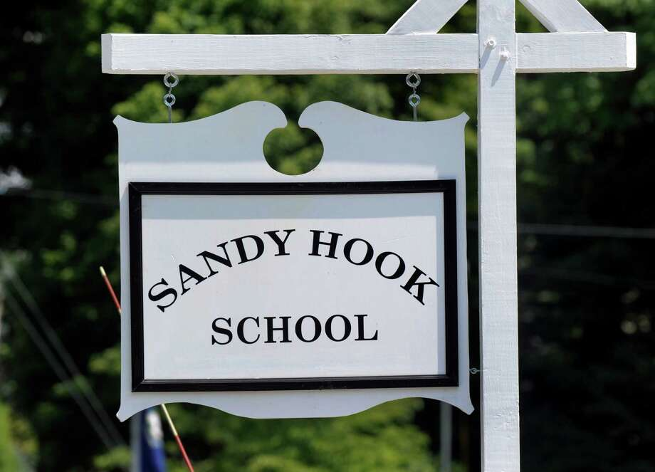 Judge dismisses Newtown families' lawsuit against gun maker