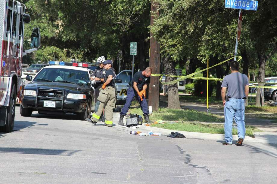 Police responded to a stabbing on Oct. 14, 2016 at the intersection of Avenue B and McCullough Avenue, where two men got into an altercation. Photo: Tyler White, San Antonio Express-News / San Antonio Express-News