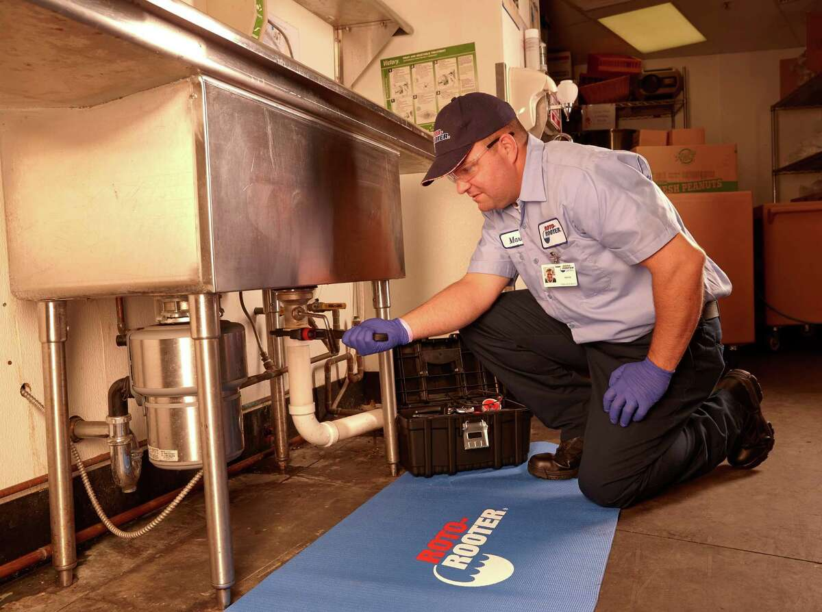 Experienced plumbers are in a position to command high pay, perks and attractive working hours.