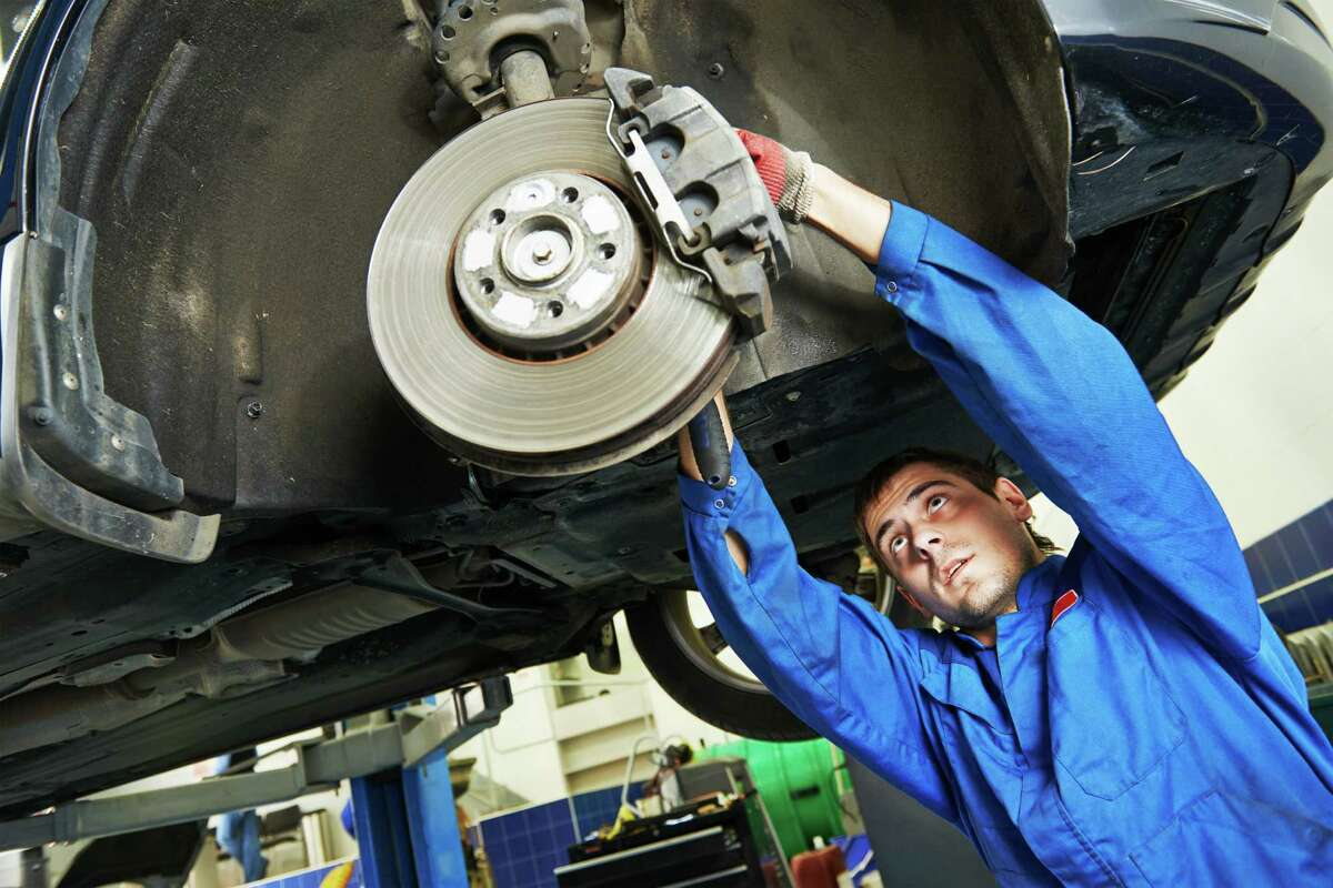 Where Houston's best mechanics are Finding a reliable mechanic who won't overcharge you is difficult in any city, let alone Houston. Thankfully, Yelp reviewers know who to avoid and where to bring your car. See which Houston-area auto shops rank the highest on Yelp up ahead.