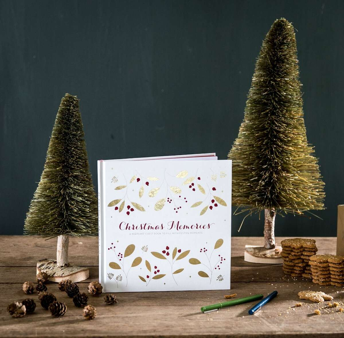 CHRISTMAS MEMORIES GUEST BOOK: $25