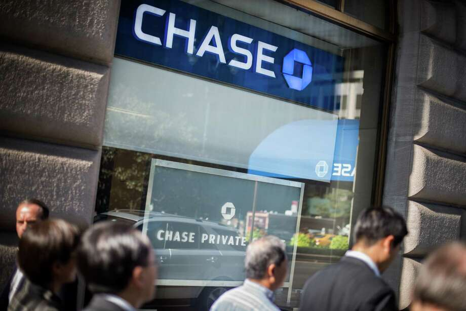JPMorgan Chase, the largest U.S. bank by assets and revenue, said it earned $6.29 billion in the quarter, down from a profit of $6.80 billion in the same period a year earlier. The results beat expectations. Photo: Mark Kauzlarich /Bloomberg News / © 2016 Bloomberg Finance LP