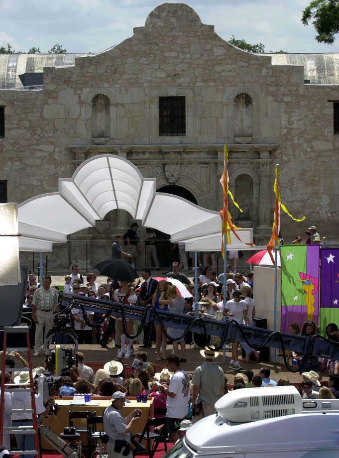 """City leaders want at least two $10 million film and television projects made here within the next five years. In 2000, """"Miss Congeniality"""" starring Sandra Bullock generated income and publicity for the Alamo City. Photo: San Antonio Express-News / File Photo / SAN ANTONIO EXPRESS-NEWS"""
