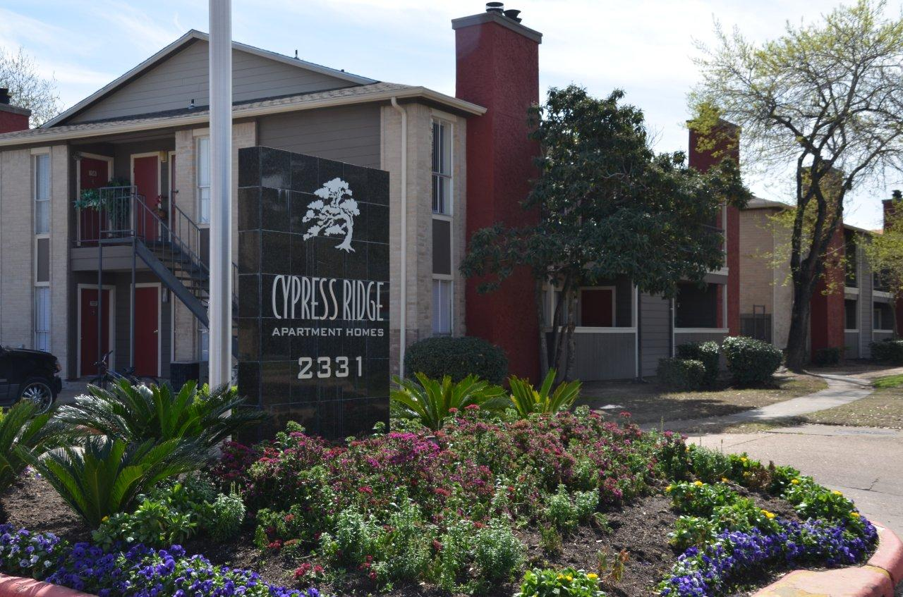 Deal Of The Week: Investors Find Opportunity In Older Apartment Complexes    HoustonChronicle.com