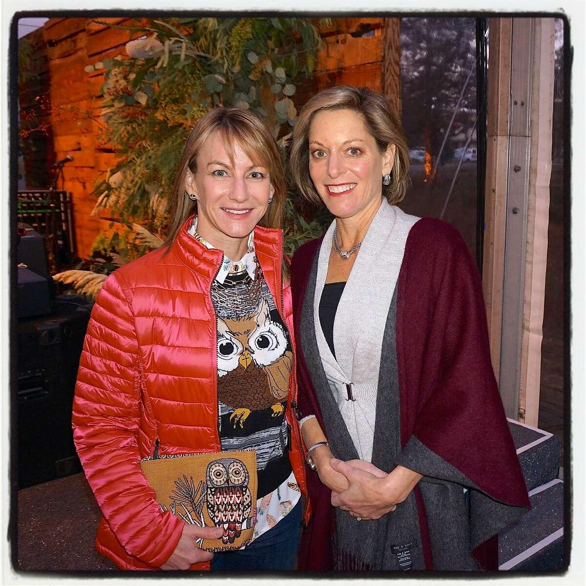 Trails Forever dinner co-chairs Linda Mellin (left) and Julie Flynn. Sept 2016.