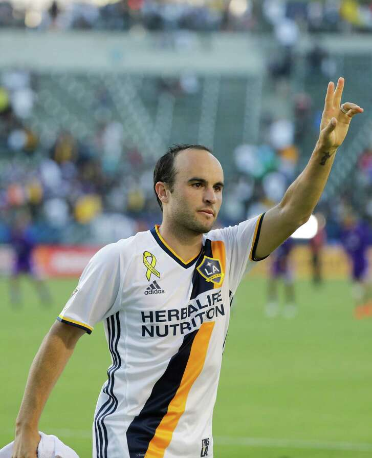 Landon Donovan, who came out of retirement a little more than a month ago, returns to BBVA Compass Stadium with the Los Angeles Galaxy on Sunday.