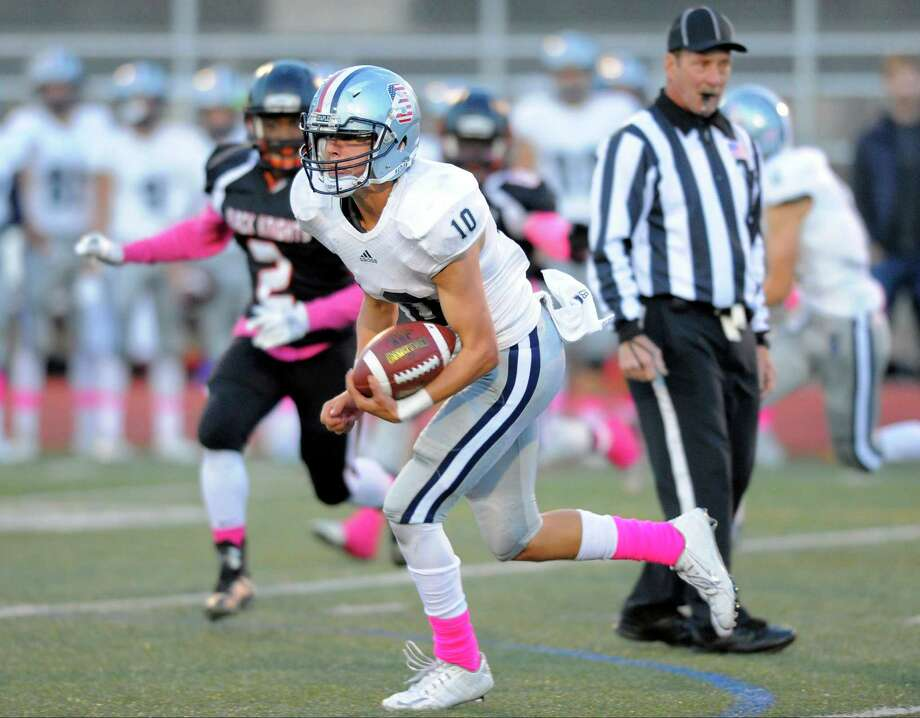 Staples Harris Levi carries the ball against Stamford during a football game at Boyle Stadium on Friday, Oct. 14, 2016 in Stamford, Connecticut. Staples defeated Stamford 42-13. Photo: Matthew Brown / Hearst Connecticut Media / Stamford Advocate