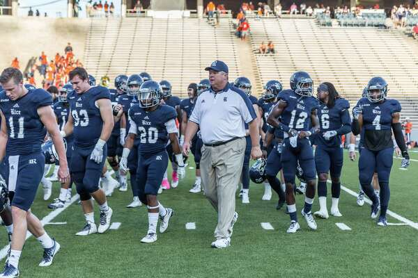 October 15 2016:  Rice Owls head coach David Bailiff leads the team into the locker room during the NCAA football game between the UTSA Roadrunners and Rice Owls in Houston, Texas.  (Leslie Plaza Johnson/Chronicle)