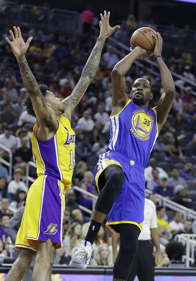 Golden State Warriors' Kevin Durant shoots over Los Angeles Lakers' Brandon Ingram during the first half of an NBA preseason basketball game Saturday, Oct. 15, 2016, in Las Vegas. Photo: John Locher, Associated Press
