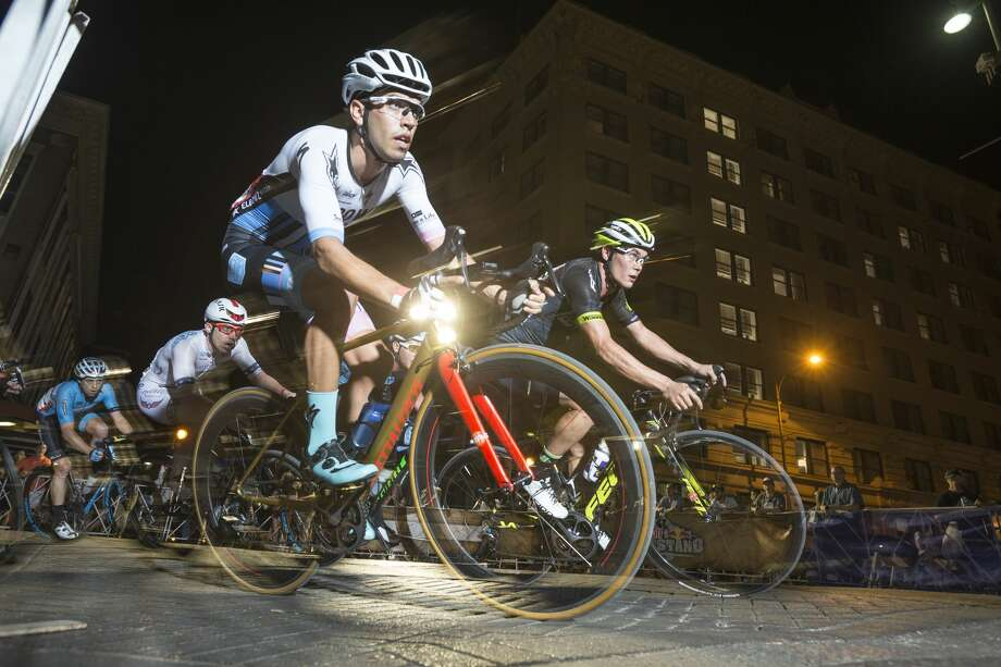 Cyclist race during the Red Bull Last Stand event in San Antonio, Texas on October 15, 2016. Photo: Courtesy Justin Kosman/Red Bull