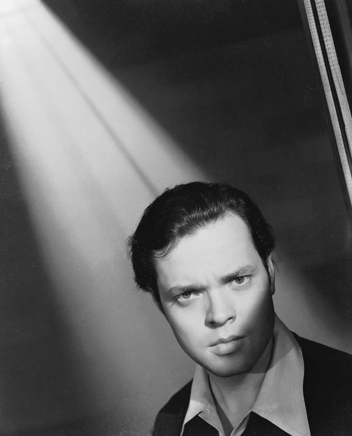"""Orson Welles on the set of """"Citizen Kane."""" 1941: Film star Orson Welles (George Orson Wells) (1915 - 1985) on the set of RKO's 'Citizen Kane', which he directed, wrote and starred in. (Photo by Ernest Bachrach/John Kobal Foundation/Getty Images)"""
