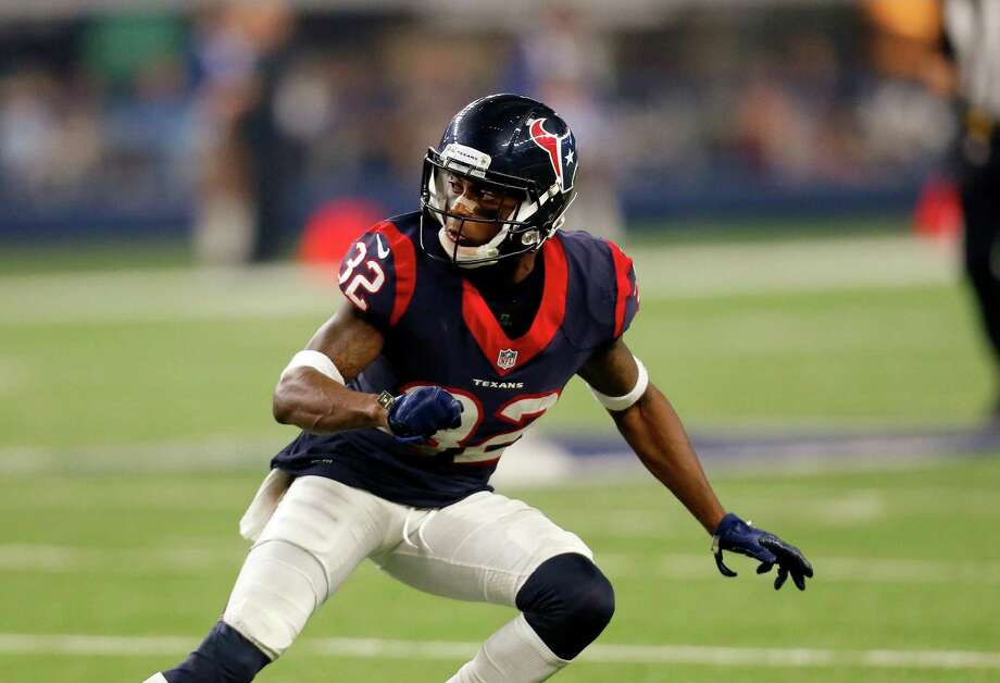 Texans defensive back Robert Nelson made a clutch play in his first game since being called up from the practice squad. Photo: Roger Steinman, Associated Press / FR171255 AP