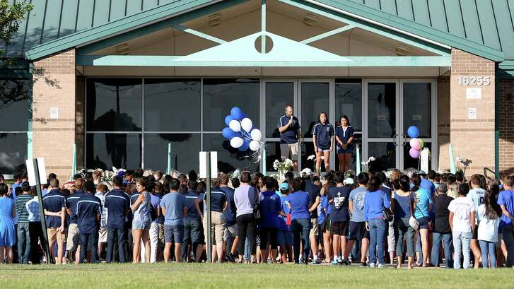 Hundreds showed up Sunday at Fort Bend ISD's Don Cook Natatorium to pay tribute to 17-year-old Brian Yuen, who died there Saturday after experiencing an unknown medical emergency after a swim meet.