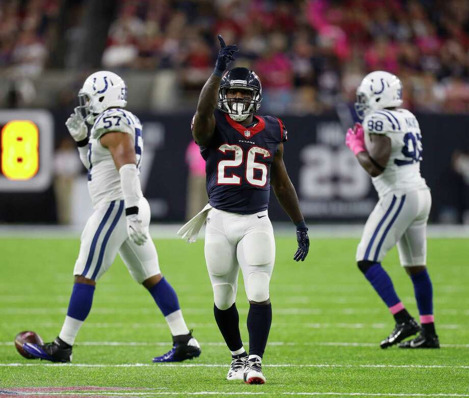 Houston Texans running back Lamar Miller (26) signals a first down after one of his runs during the third quarter of an NFL football game at NRG Stadium, Sunday,Oct. 16, 2016 in Houston. Photo: Karen Warren, Houston Chronicle / 2016 Houston Chronicle