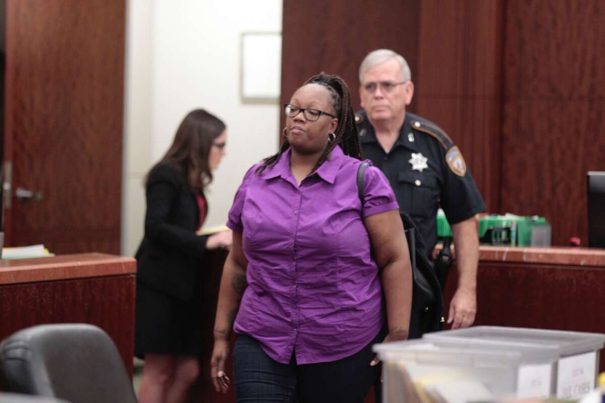 Crenshanda Williams, 43, of Houston, is facing two misdemeanor charges for allegedly hanging up on 911 callers. She appears in court Oct. 17,2016, in Channelview. (James Nielsen / Houston Chronicle)