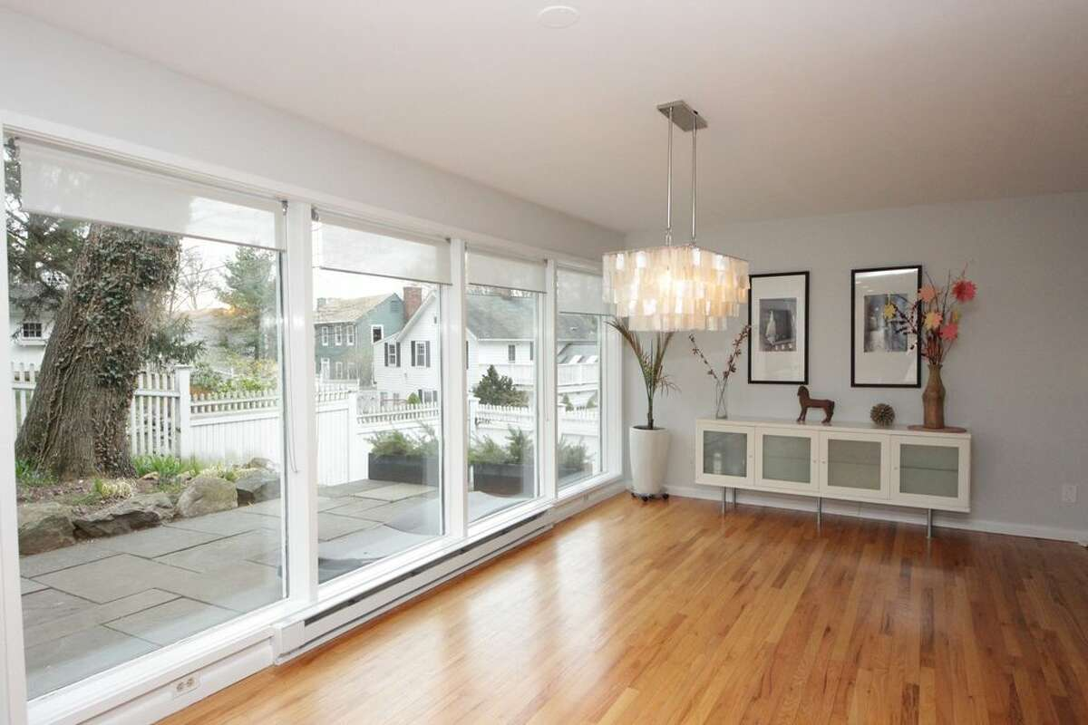 6 Thomes St, Norwalk, CT 06853 3 beds 2 baths 1,704 sqft Monthly rent: $3,750 View full listing on Zillow