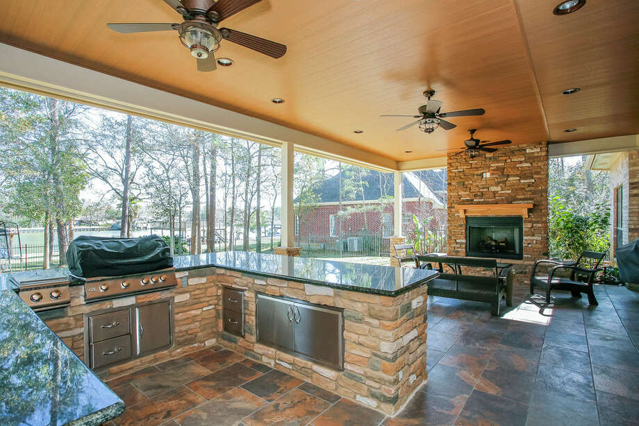 Living large in a great outdoor kitchen space - Houston ... on Outdoor Kitchen With Covered Patio id=49774