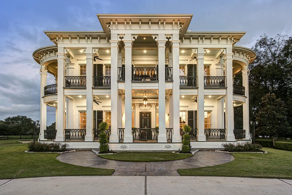 Historic plantation house replica in tomball sees huge for Antebellum homes