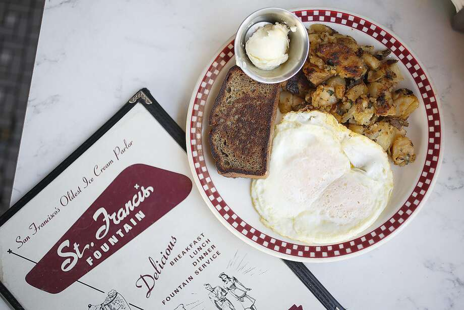 Breakfast at St. Francis Fountain in the Mission. Photo: Liz Hafalia, The Chronicle