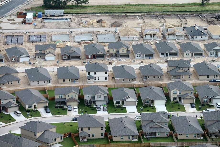Aerial view of area around Kallison Ranch High School Friday May 20, 2016. Higher mortgage rates are making the already challenging task of buying an affordable home even tougher for many Americans this spring. Photo: Edward A. Ornelas /San Antonio Express-News / © 2016 San Antonio Express-News