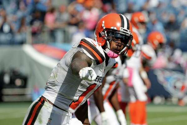 Cleveland Browns wide receiver Terrelle Pryor (11) gets set to run a play against the Tennessee Titans in the second half of an NFL football game Sunday, Oct. 16, 2016, in Nashville, Tenn. (AP Photo/James Kenney)