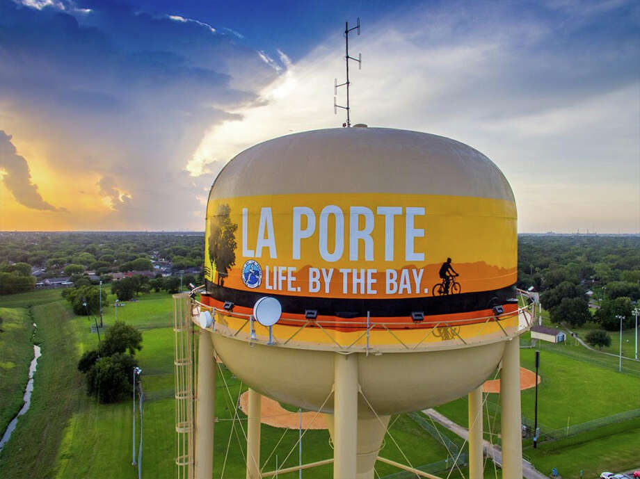 La porte water tower is finalist for 39 2016 tank of the for Porte 12 fooding