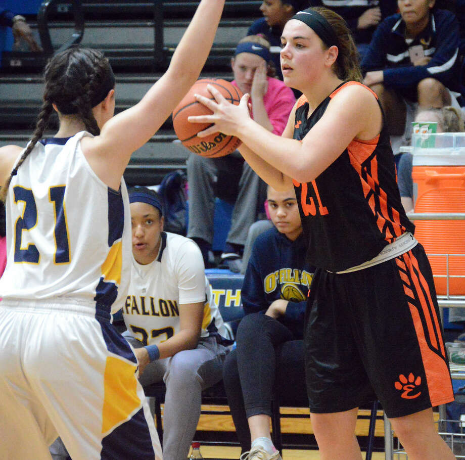 Edwardsville's Rachel Pranger looks for an open teammate.