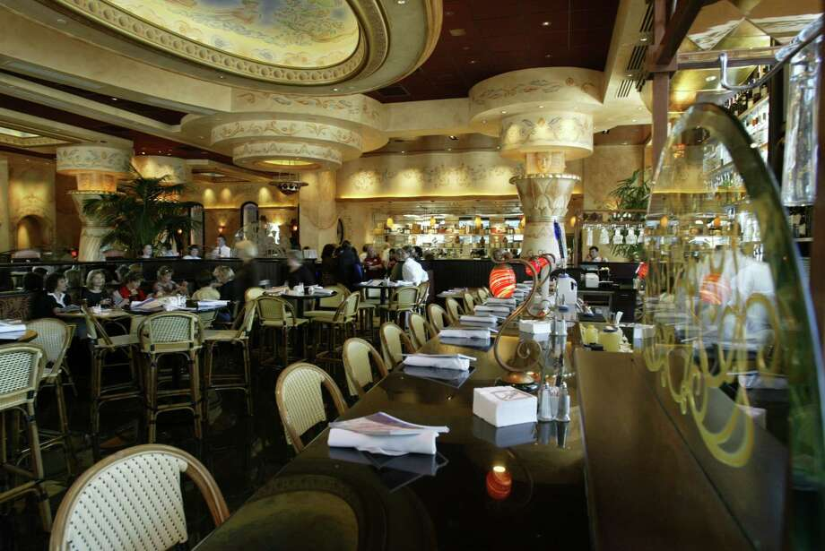 Atmosphere shot of Cheesecake Factory, Woodlands Mall, 11/20/03, for Dining Guide story on Woodlands restaurant scene. (Buster Dean / Chronicle)  HOUCHRON CAPTION (12/26/2003):  The Cheesecake Factory, with one restaurant in the Galleria, has opened in the Woodlands Mall. Photo: Buster Dean, Staff / Houston Chronicle