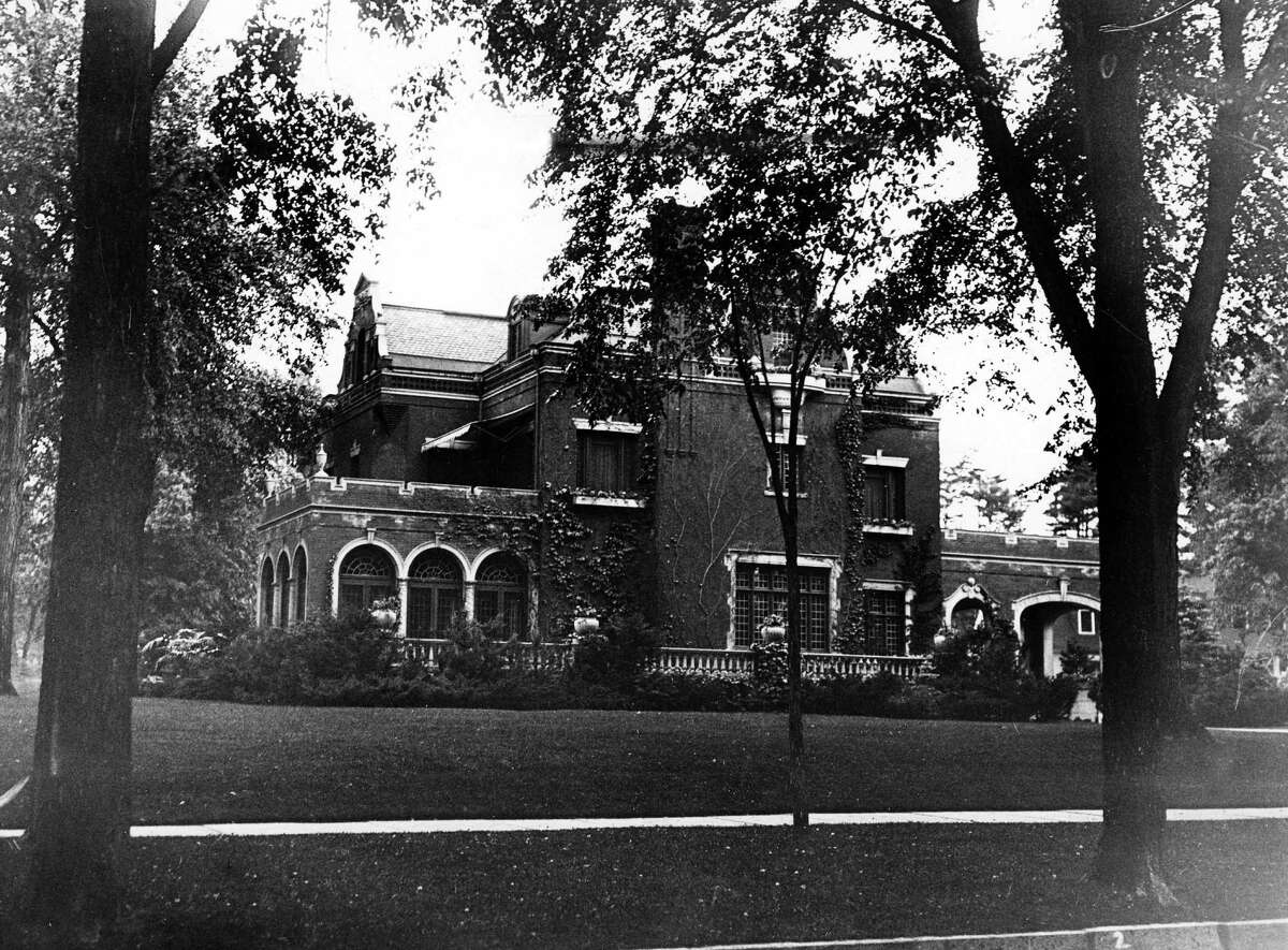 Saratoga home owned by James A. Leary at 779 Broadway on June 19, 1934, in Saratoga Springs, N.Y. (Times Union Archive)