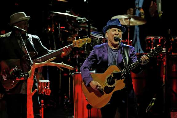 Paul Simon performs at the Hollywood Bowl on June 1, 2016 in Los Angeles. (Katie Falkenberg/Los Angeles Times/TNS)