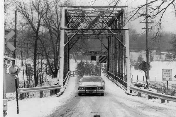 Currie Parkway Bridge. January 1994