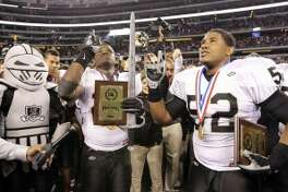 Steele celebrated this 2010 state title win inside Arlington's AT&T Stadium. (SAEN file photo).