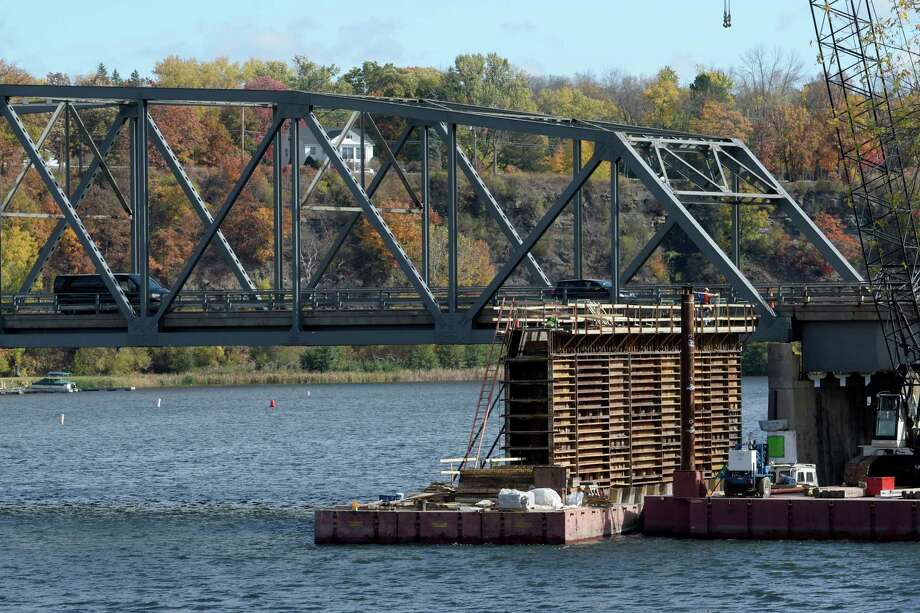 Construction on the Rexford bridge continues on Wednesday, Oct. 19, 2016, on Route 146 in Rexford,  N.Y.   (Skip Dickstein/Times Union) Photo: SKIP DICKSTEIN / 20038466A