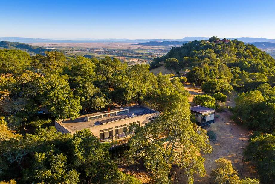 17273 7th St. E. in Sonoma occupies more than five bucolic acres in Wine Country. Photo: Russell MacMasters And Lisa Rani