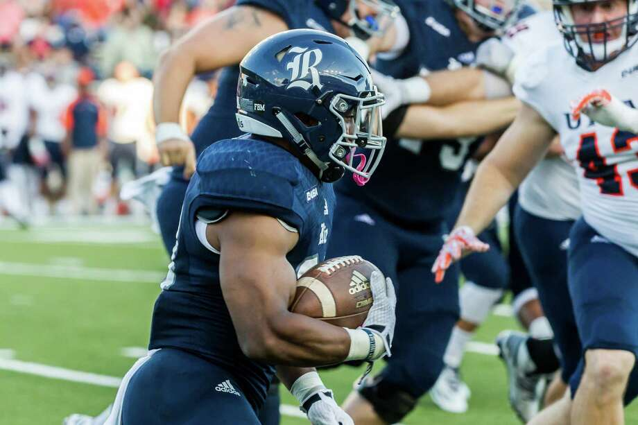 October 15 2016:  Rice Owls running back Samuel Stewart (24) carries the ball during the NCAA football game between the UTSA Roadrunners and Rice Owls in Houston, Texas.  (Leslie Plaza Johnson/Chronicle) Photo: Leslie Plaza Johnson, Freelancer / Freelance