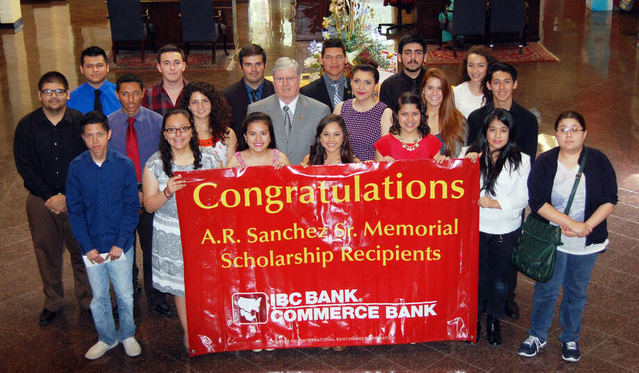 Pictured are the 2015 A.R. Sanchez Memorial Scholarship recipients. In the back row, from left, are Dangelo Hernandez, Ricardo Barrientos, Adrian Martinez, Jordy Velazquez, Mark Gomez and Esmeralda Williams. In the middle row, from left, are Julian Arriaga, Ricardo Menchaca, Isabel Delgado, Dennis E. Nixon, Sissy Reyes, Katherine Simms and Octavio Sanchez. In the front row, from left, are Pedro Soto, Clarissa Alvarez, Alyssa Fuentes, Samantha Hernandez, Martha Lidia Lerma, Angelica Beatriz Lozano and Dulce Maria Gutierrez.