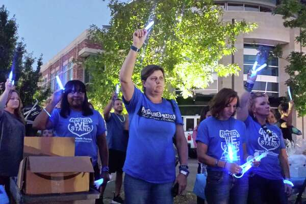 Hosted by Joseph Chris Partners and numerous sponsors, the community came out to Turn Kings Harbor Blue Friday, Oct. 14 and show their support for law enforcement officers.