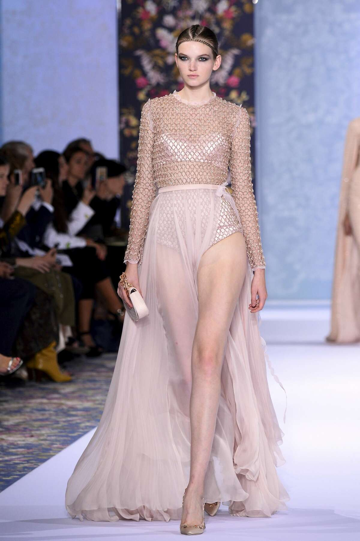 Get you're Beyonce bodysuit fix with a mid-evil chain-link covering with this Ralph & Russo combination.