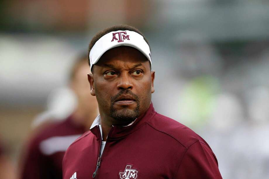 FILE - In this Saturday, Oct. 24, 2015 file photo, Texas A&M head coach Kevin Sumlin looks at the score board prior to their NCAA college football game against Mississippi in Oxford, Miss. Texas A&M coach Kevin Sumlin goes into the Music City Bowl down to his third option at quarterback with Kyle Allen and Kyler Murray deciding to transfer away from the Aggies.  (AP Photo/Rogelio V. Solis, File) Photo: Rogelio V. Solis, STF / AP