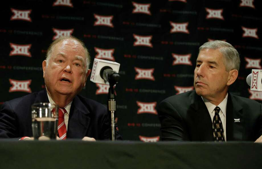 Oklahoma president David Boren, left. Photo: LM Otero, STF / Copyright 2016 The Associated Press. All rights reserved.