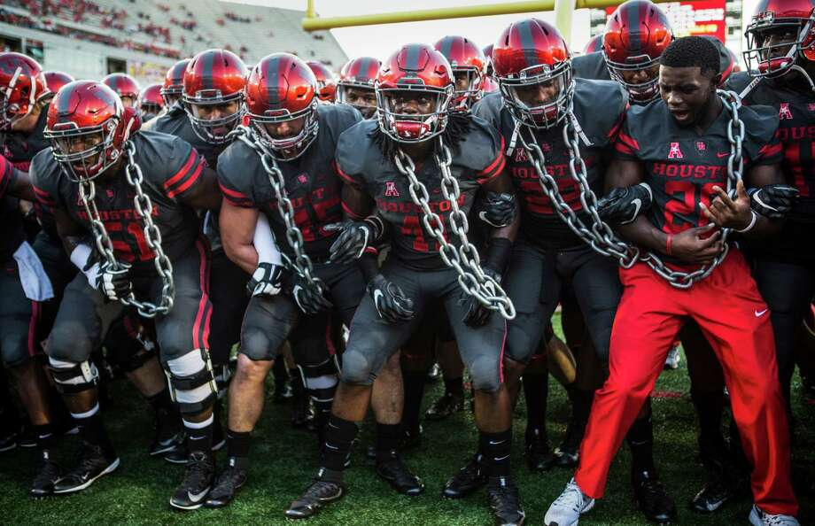 The University of Houston will play in the Las Vegas Bowl on Dec. 17, a person with knowledge of the situation said Saturday. Photo: Brett Coomer, Staff / © 2016 Houston Chronicle