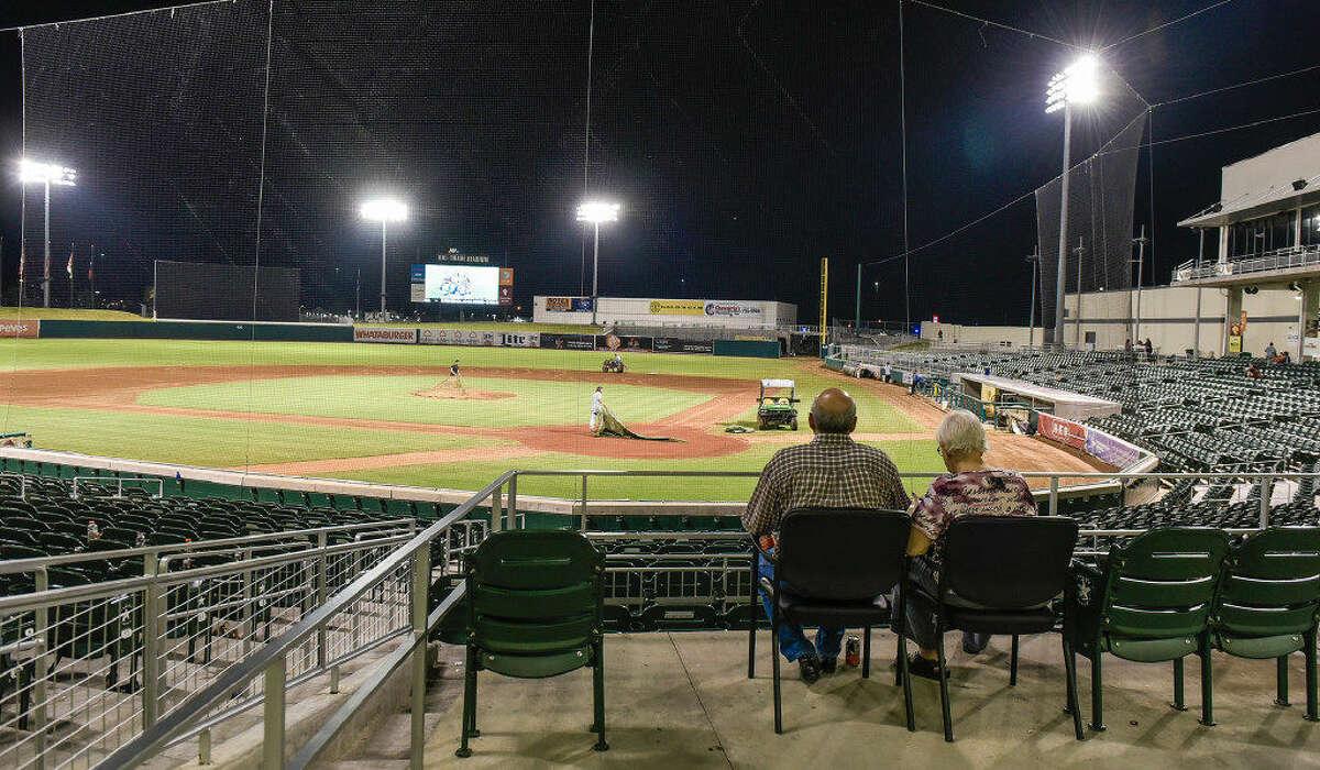 Baseball will be returning to Laredo next season as the Tecolotes Dos Laredos will split their Liga Mexicana de Béisbol campaign in Laredo and Nuevo Laredo.