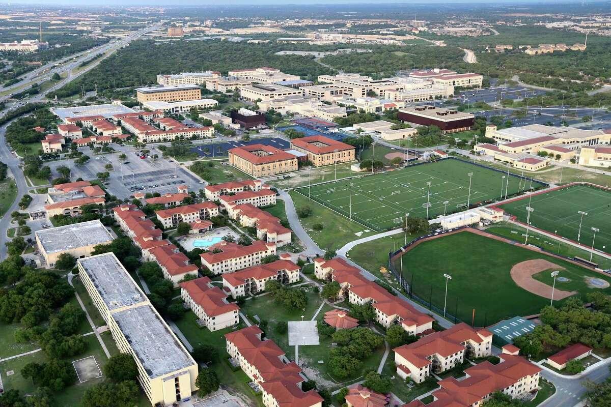 University of Texas at San Antonio : 7 Downtown Campus: 1HemisFair Park Campus: 0 Main Campus: 6 (1 employee)